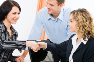 Як знайти дівчині хорошу роботу